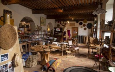 Vidéastes professionnels dans la Drôme : tournage pour une interview à la Scourtinerie